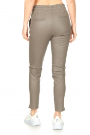 STUDIO AR BY ARMA |  Lamb leather stretch jogger Naomi | grey  | Picture 7