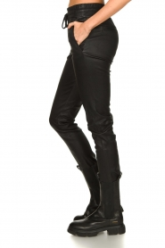 STUDIO AR BY ARMA |  Lamb leather stretch jogger Naomi | black  | Picture 5