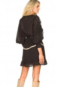 Aaiko | Gestreepte blouse met opengewerkte details Zena | zwart   | Afbeelding 6