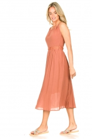 Louizon |  Maxi halter dress Beegees | rusty brown  | Picture 5
