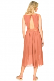 Louizon |  Maxi halter dress Beegees | rusty brown  | Picture 6