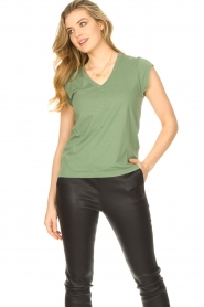 CC Heart |  Cotton mix v-neck T-shirt Vera | green  | Picture 2