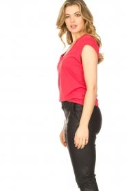 CC Heart |  Cotton mix v-neck T-shirt Vera | red  | Picture 4