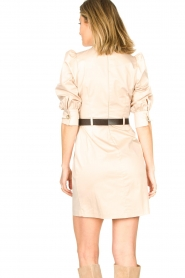 Kocca |  Dress with belt Amir | beige  | Picture 6