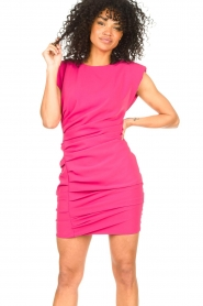 Kocca |  Drapped dress with shoulder pads Rajani | pink  | Picture 6