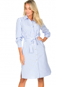 Kocca |  Striped midi dress Kimoni | blue  | Picture 5