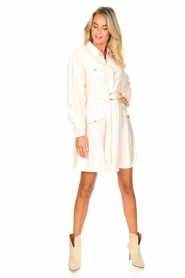 Kocca |  Dress with puff sleeves Chanya | white  | Picture 3