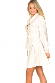 Kocca |  Dress with puff sleeves Chanya | white  | Picture 5