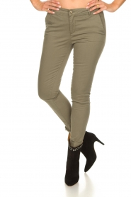 Fracomina |  Cotton chino pants Amy | green  | Picture 3