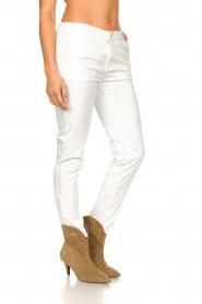 Fracomina |  Cotton chino pants Amy | white  | Picture 5