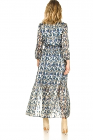 Dante 6 |  Maxi dress with aztec print Bardon | blue  | Picture 6