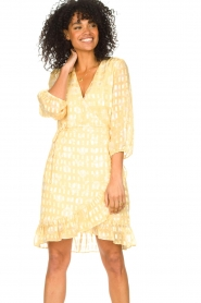 Freebird |  Wrap dress with puff sleeves Rosy Jacq | yellow  | Picture 5