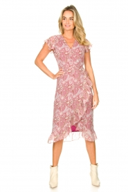 Freebird |  Midi wrap dress with paisley print Rosy | red  | Picture 2