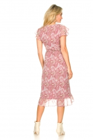 Freebird |  Midi wrap dress with paisley print Rosy | red  | Picture 6