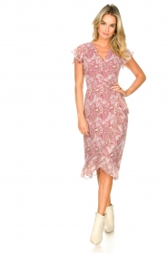 Freebird |  Midi wrap dress with paisley print Rosy | red  | Picture 3