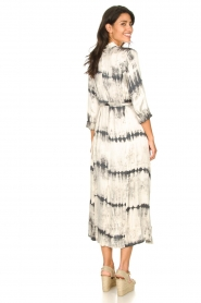 Rabens Saloner :  Wrap dress with tie dye print Sandy | natural - img5