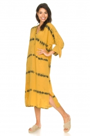 Rabens Saloner |  Caftan with tie dye print Vista | yellow  | Picture 2