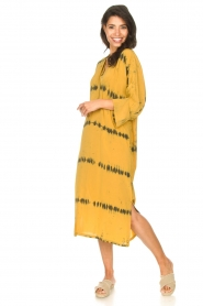 Rabens Saloner |  Caftan with tie dye print Vista | yellow  | Picture 4