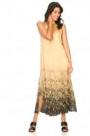 Rabens Saloner |  Maxi dress with tie dye print Hope | beige  | Picture 5