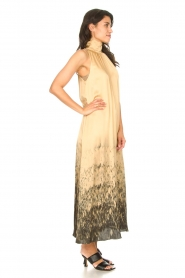 Rabens Saloner |  Maxi dress with tie dye print Hope | beige  | Picture 6