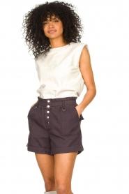 Ibana | Leren top met schoudervulling Trixy | wit  | Afbeelding 2