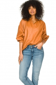 Ibana    Leather top with puff sleeves Tanja   cognac    Picture 4