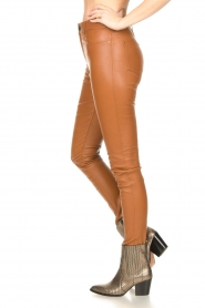 Ibana :  Leather skinny pants Passion | camel - img6