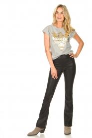 Sofie Schnoor |  T-shirt with golden imprint Sanne | grey  | Picture 3