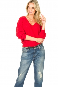 American Vintage |  Basic sweater with V-necked Kybird | red  | Picture 2