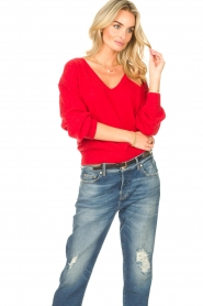 American Vintage |  Basic sweater with V-necked Kybird | red  | Picture 4