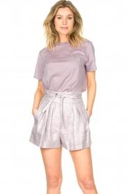 IRO |  Linen short with pleats Lafa | purple  | Picture 2