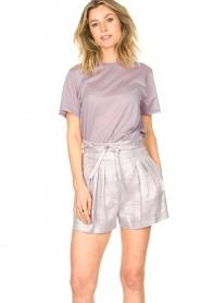 IRO |  Linen short with pleats Lafa | purple  | Picture 4
