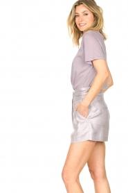 IRO |  Linen short with pleats Lafa | purple  | Picture 5