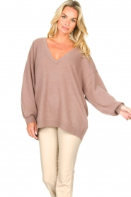 American Vintage :  Knitted sweater with v-neck Kybird | brown - img2