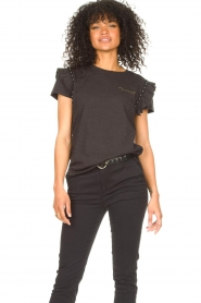 Aaiko |  T-shirt with ruffles Sally | black  | Picture 2