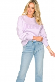Dante 6 |  Cotton sweater with text print Love Me | lilac  | Picture 6
