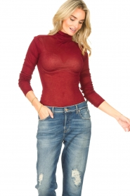 American Vintage |  Cotton top with turtle neck Massachusetts | red  | Picture 3