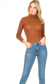 American Vintage |  Cotton top with turtle neck Massachusetts | brown  | Picture 4
