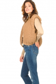 Kiro by Kim |  Knitted waistcoat Leanne | camel  | Picture 8