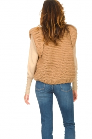Kiro by Kim |  Knitted waistcoat Leanne | camel  | Picture 9