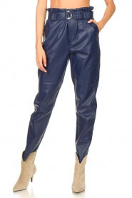 Aaiko |  Faux leather pants Pamalla | lilac  | Picture 4