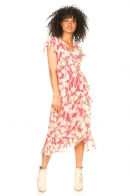 Freebird |  Midi dress with floral print Rosy | pink  | Picture 2