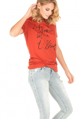 By Malene Birger   T-shirt Levery   rood