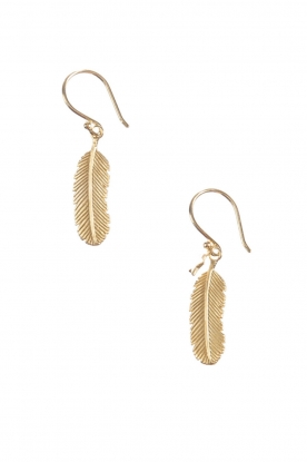 Betty Bogaers | 14k verguld gouden Indian feather oorbellen | Goud