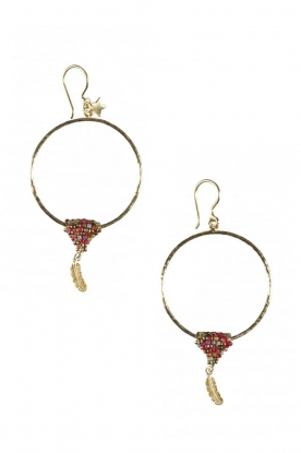 Betty Bogaers |  14kgold plated hoop earrings Mini Feather | Gold