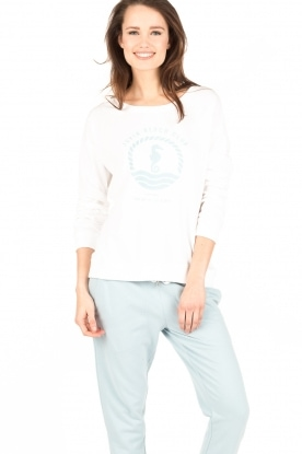Juvia | Sweater Beach Club | wit