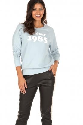 Set | Sweater Bonjour | lichtblauw