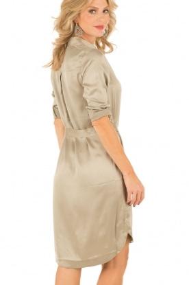 Style Butler | Zijden jurk Isobel | olijfgroen