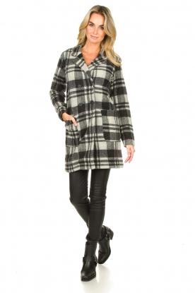 Look Checkered coat Kris