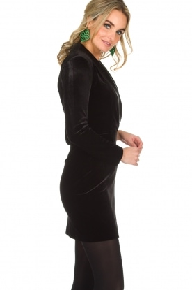 NIKKIE | Velvet blazer jurk Lola | zwart
